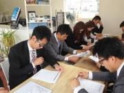 5月の始まりは定例の全体会議から始まりました。